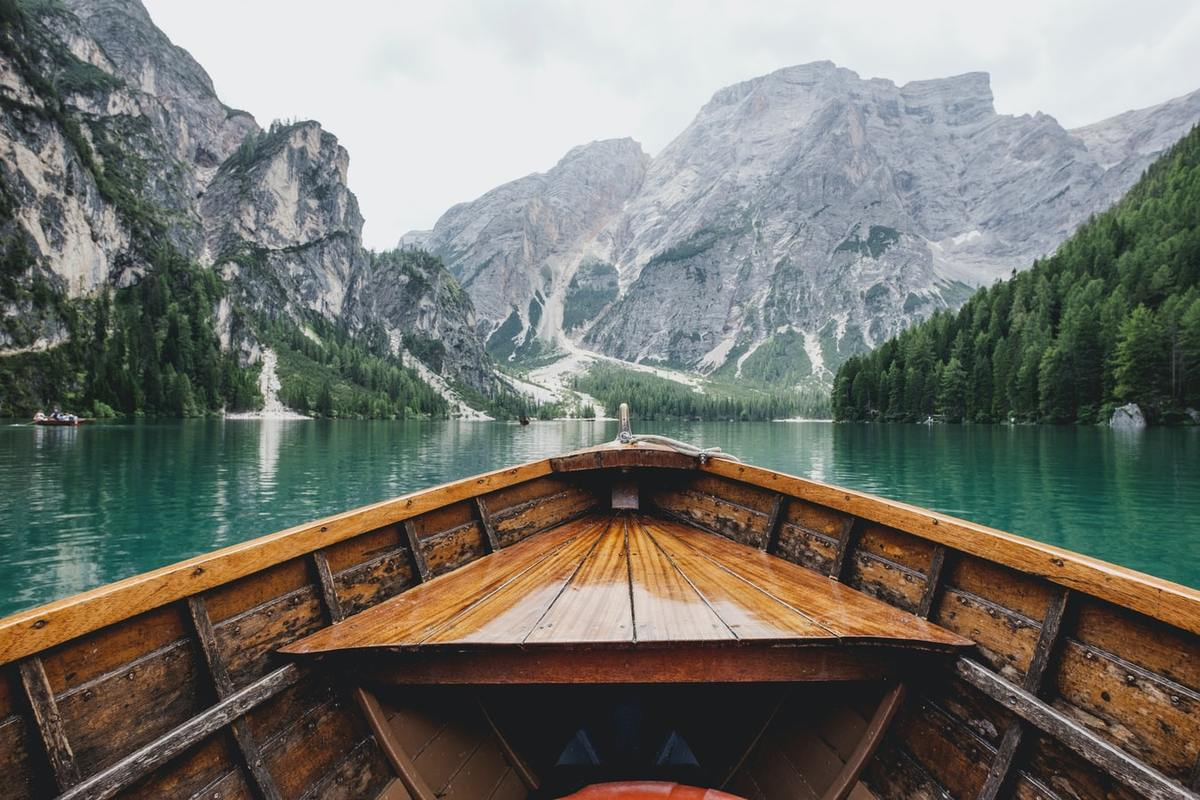 Lago di Braies, Italy. Photography by Luca Bravo, Unsplash